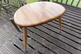 Vintage Retro Ercol Blonde Medium / Middle Pebble Table in really nice condition