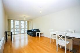 2 bedroom flat in St David's Square, Lockes Wharf, Canary Wharf E14
