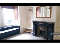 3 bedroom flat in Hubert Grove, London , SW9 (3 bed)