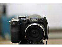 Fujifilm Finepix S1800 Bridge Camera