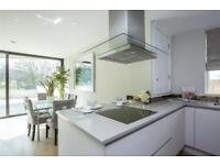 3 bedroom flat in Bishops Wood Court, 29-31 Aylmer Road, N2