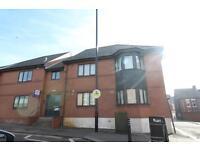 2 bedroom flat in Condercum Road, Benwell