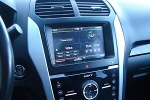 2011 Ford Explorer Limited V6 even has dvd head rests . Peterborough Peterborough Area image 10