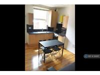3 bedroom house in Newport Street, Manchester, M14 (3 bed)