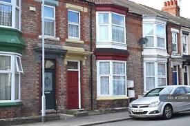 2 bedroom flat in Clifton Road, Darlington, DL1 (2 bed)