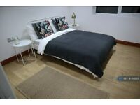 2 bedroom flat in Endsleigh Road, Bedford, MK42 (2 bed) (#1119253)
