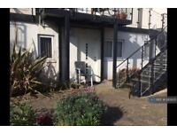 1 bedroom flat in The Old Stables, Worthing, BN11 (1 bed)