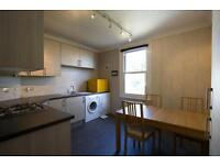 2 bedroom flat in Cromwell Place, Highgate