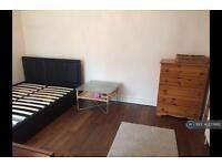 1 bedroom in Rosslyn Crescent, Harrow, HA1