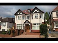 1 bedroom flat in St Mary's Avenue, Finchley, N3 (1 bed)