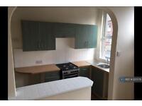 2 bedroom house in Sefton Terrace, Leeds, LS11 (2 bed)