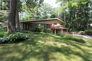 15 FOREST AVENUE Grand Bend, Ontario