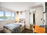 1 bedroom in Aintree Road, Crawley, RH10 (#1159355)