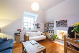 2 bedroom flat in St. Albans Road, Dartmouth Park, NW5