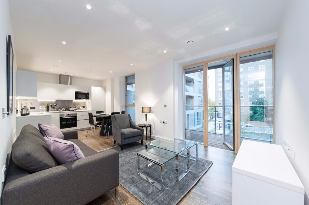 -A brand new one bedroom luxury apartment in Queen's Park!