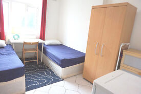 2 weeks deposit only! Twin bedroom ready now. Bow, Mile end.
