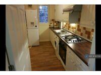 2 bedroom flat in Cadiz Street, Edinburgh, EH6 (2 bed) (#1227292)