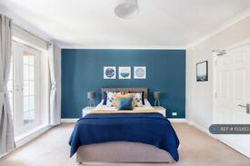 1 bedroom in Mountcombe House, London, SW19 (#1032123)