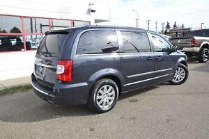 2014 Chrysler Town & Country Touring Edmonton Edmonton Area image 16
