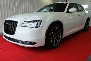 2015 Chrysler 300 300S -Cuir, GPS, toit panoramique