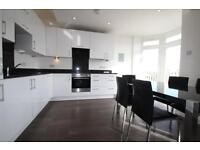 2 bedroom flat in St Georges Road, Palmers Green