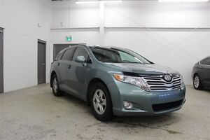 2010 Toyota Venza V6 - AWD, Panoramic Sunroof, B/T