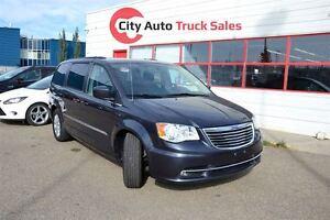 2014 Chrysler Town & Country Touring Edmonton Edmonton Area image 1