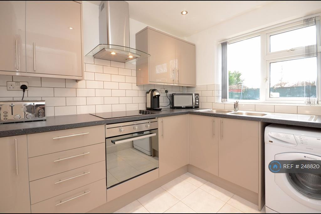 1 bedroom in Minster Avenue, York, YO31