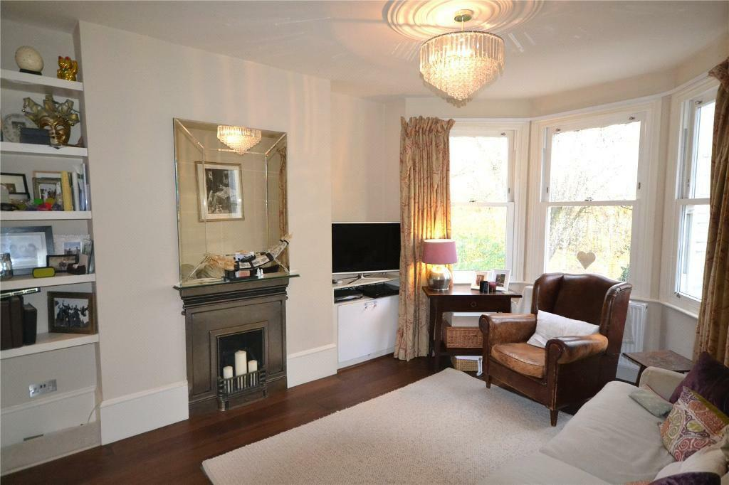 3 bedroom flat in Alexandra Mansions, Middle Lane, Crouch End, N8