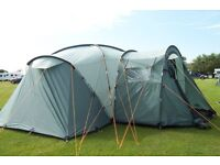 Vango Colorado 600 DLX. Spacious 6 person family tent with living area and 3 separate bedroomss