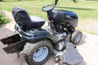 2008 Craftsman DGS Lawn and Garden Tractor   26 HP