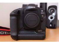 Canon 1DS full-frame Digital SLR DSLR
