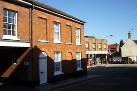 Double room to rent in smart house, Dereham centre.