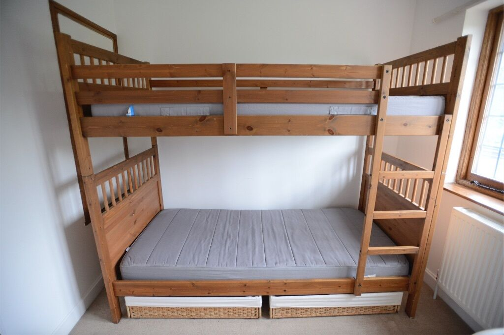 bunk beds full on bottom twin on top twin loft over king over queen bunk bed that sleeps 5 10. Black Bedroom Furniture Sets. Home Design Ideas