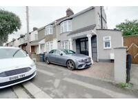 5 bedroom house in Madina Road,