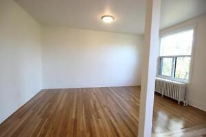 Renovated 4.5 available May 1st- NDG - Decarie