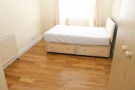 Bright double room with own bathroom available now for a single person or a couple