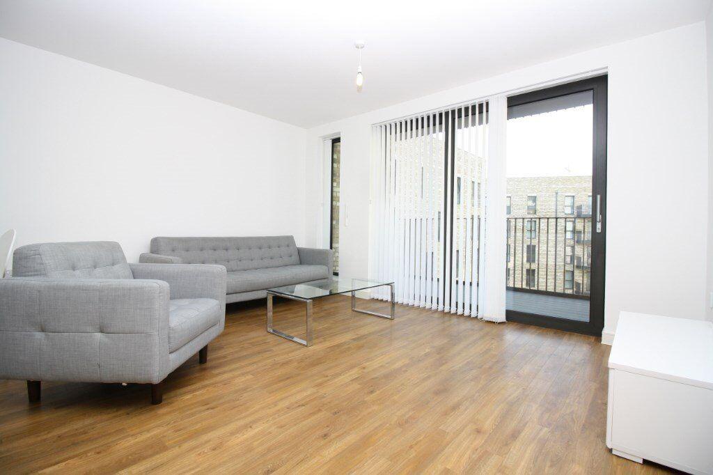 E16 2GR Pontoon Docks, 24hr Concierge, Gym, Designer Furnished, Easy Access to Canary Wharf