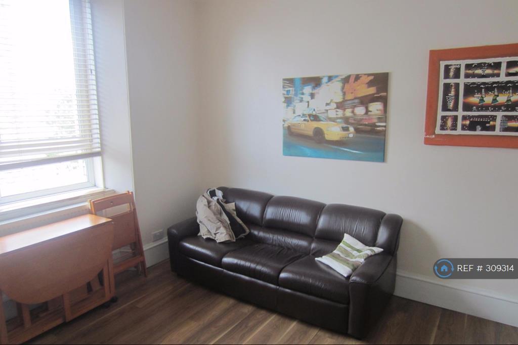 1 bedroom flat in Huntly Street, Aberdeen, AB10 (1 bed)