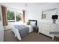 1 bedroom in Breasley Close, London, SW15 (#865343)