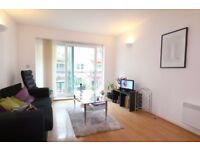 Stunning 1B flat with balcony, fitted wardrobes, modern tiled bathroom, in Royal Victoria, London