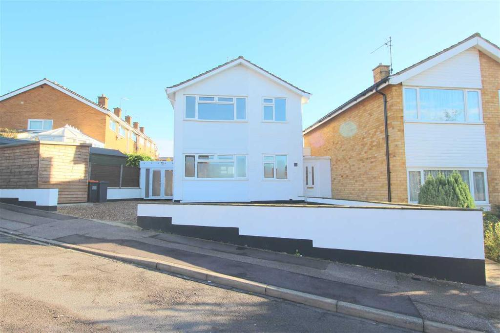 3 bedroom house in Constable Hill, Bedford, Bedford