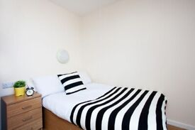 STUDENT ROOM TO RENT IN BIRMINGHAM. EN-SUITE WITH PRIVATE ROOM, PRIVATE BATHROOM AND STUDY SPACE