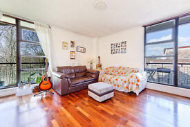 BEAUTIFUL AND SPACIOUS TWO DOUBLE BED FLAT NEXT TO RIVER AND TUBE, SE16