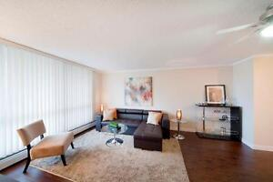 CENTRAL DOWNTOWN Location: Ideal for Working Professionals! Edmonton Edmonton Area image 3