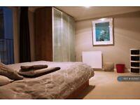 2 bedroom flat in Lower Rock Garden, Brighton, BN2 (2 bed) (#1031427)