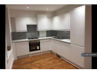 2 bedroom flat in Amwell Street, London, EC1R (2 bed)