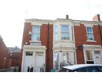 3 bedroom flat in Hampstead Road, Benwell