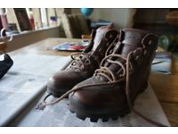 Brasher Hillmaster Classic walking boots Ladies size 9