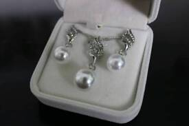 Pearl like necklace and earing set